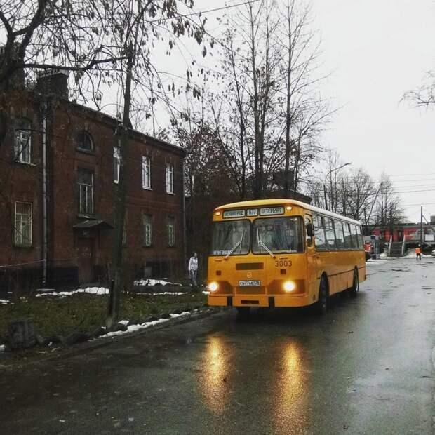 Старый добрый ЛиАЗ 3677, прозванный «Луноходом» автобусы, воспоминания, детство, ностальгия
