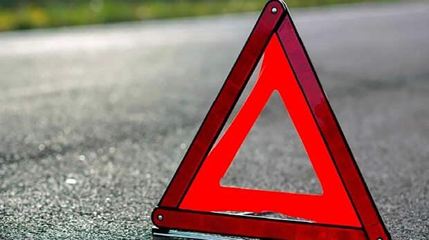 В Казахстане семь человек погибли в столкновении легкового автомобиля и грузовика