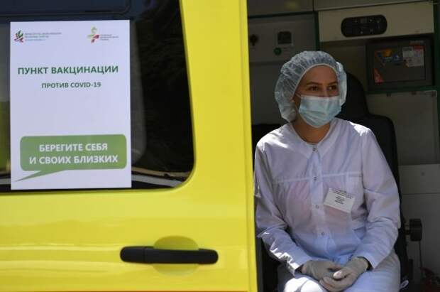 Правительство прорабатывает вопрос вакцинации иностранцев от коронавируса