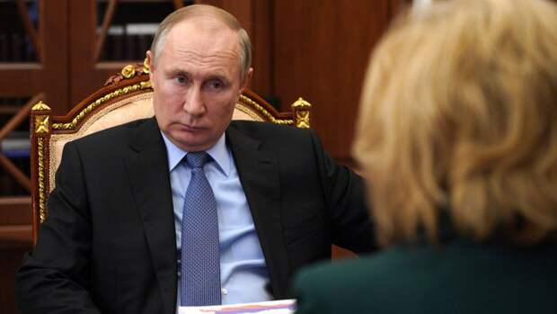 Президент РФ рассказал о своем самочувствии после курса вакцинации от коронавируса