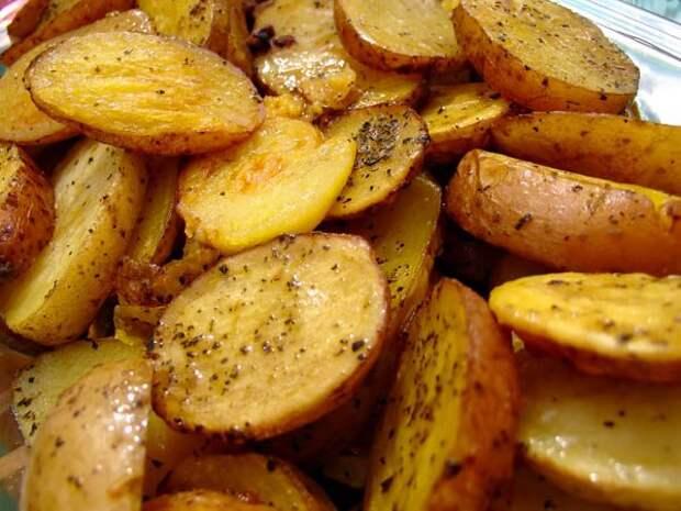 5 вкусных рецептов печеной картошки в духовке