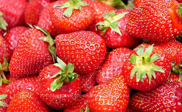 Измельчаю клубнику и вялю в духовке: зимой наслаждаюсь вкусом свежей ягоды