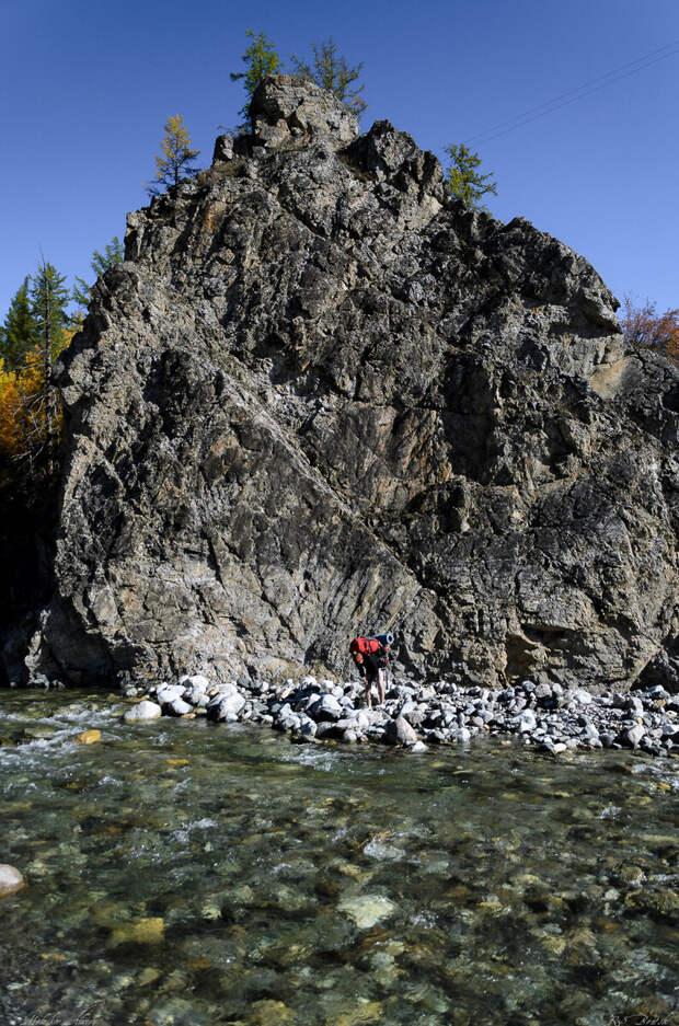 Скальный прижим, под скалой обычно самое глубокое место