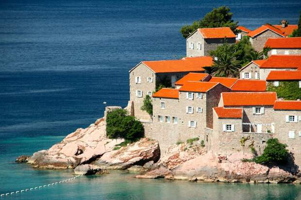 Черногория полностью открыта для туристов из России
