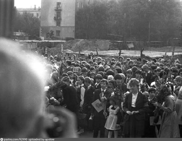 Фото дня: школа на Ленской в начале 80-х