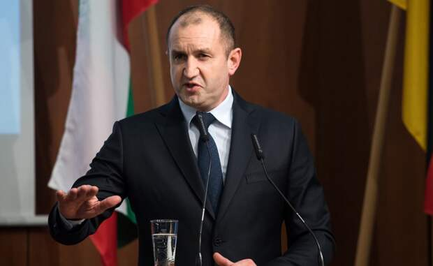 Президент Болгарии распустит парламент на следующей неделе