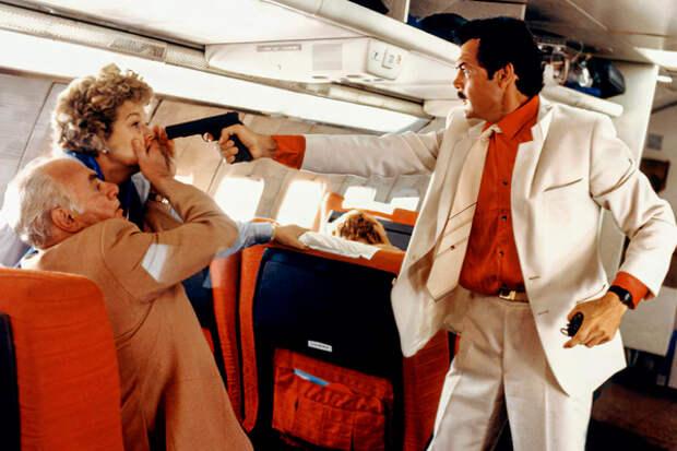«Она встала у меня на пути, и я убил ее». 50 лет назад в СССР впервые угнали пассажирский самолет.