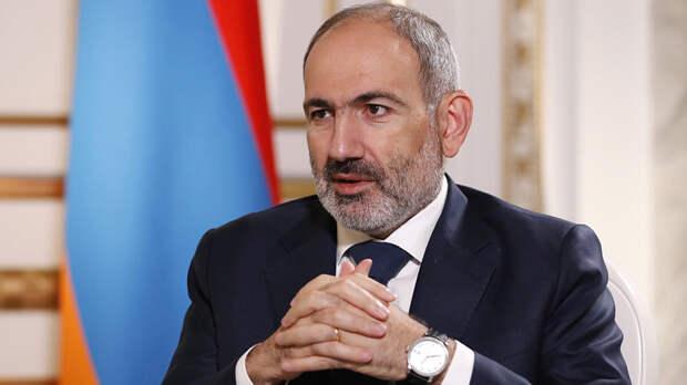 Премьер Армении направил второе предложение об отставке главы генштаба