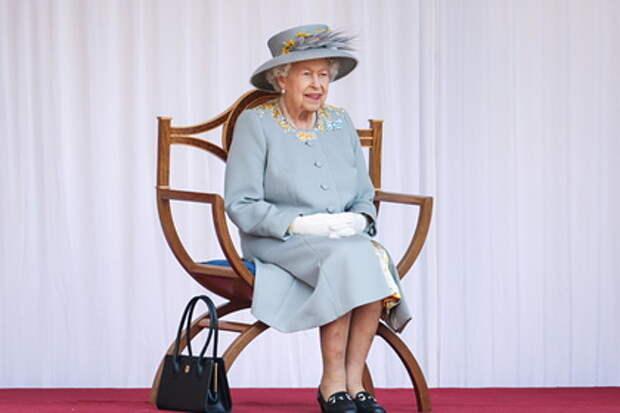 Королева Елизавета перечислила причины, по которым может оставить престол