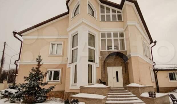 В Тюмени в районе Дома Обороны за 115 млн продают дом бывшего чиновника