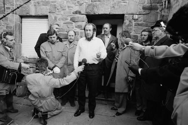Почему русские эмигранты считали Солженицына вымышленным лицом