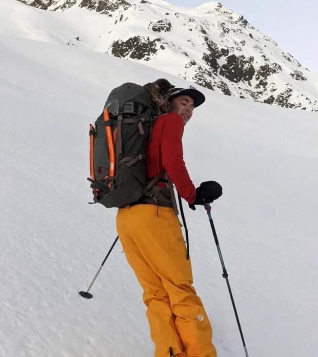 Альпинисты поднялись на гору и с удивлением нашли там домашнюю кошку