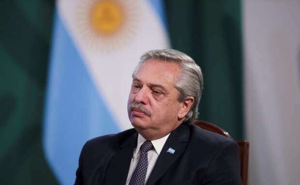 У президента Аргентины, привитого российским «Спутником V» подтвердился Covid-19
