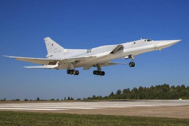 Источник сообщил об одном выжившем пилоте упавшего под Калугой военного бомбардировщика