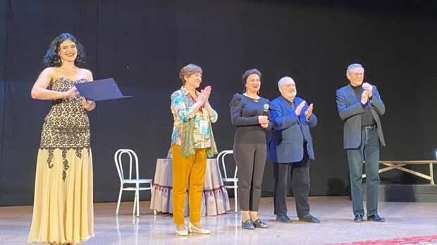 Арина Новосельская в рамках Фестиваля студенческого театрального искусства открыла в Керчи показ спектакля