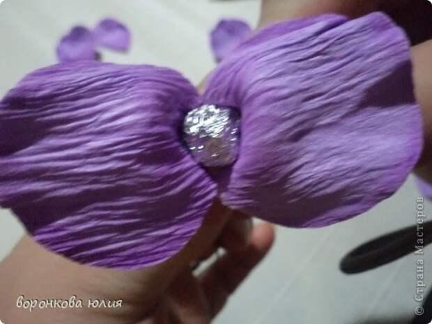 здравствуйте дорогие мастерицы.вот решила с вами поделиться тем , как я делаю цветок орхидеи. фото 18
