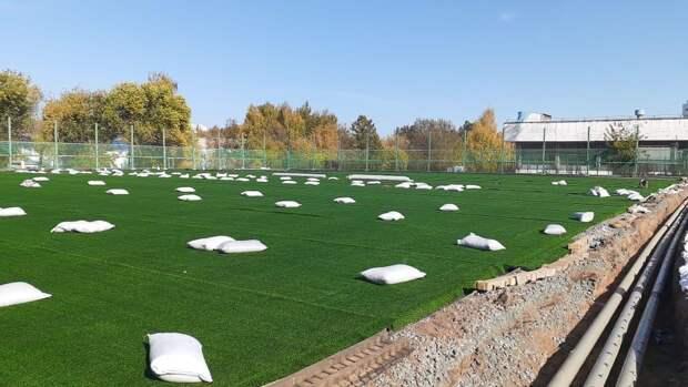 Реконструкция стадиона спортшколы в Ижевске, богатейший россиянин по версии Forbes и 1 млн жертв коронавируса в мире