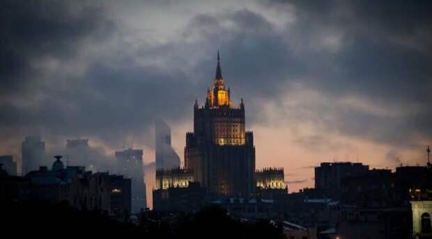 Россия жестко ответила Чехии за высылку российских дипломатов
