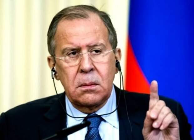 """""""Будьте вежливыми людьми и законопослушными"""" - Лавров запретил Германии хамить России"""