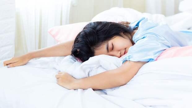 Пять простых упражнений прямо в кровати помогут активно начать день