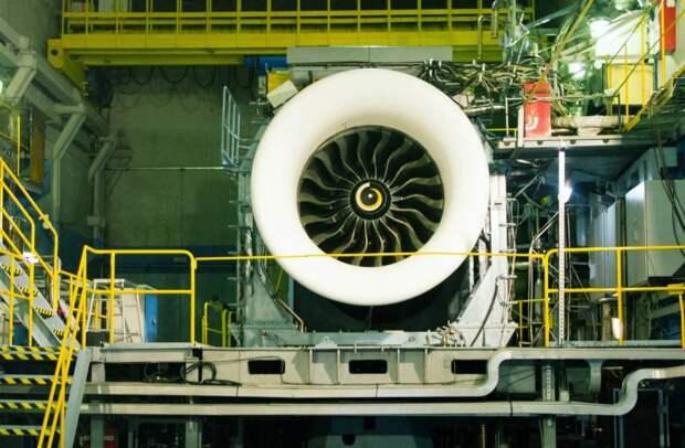 Air Data News: Со своим 3-метровым вентилятором ПД-35 намного превзойдет советский Д-18Т