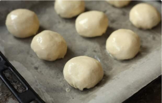 Беру упаковку слоёного теста, немного фарша и готовлю необычные пирожки в духовке: быстро и вкусно