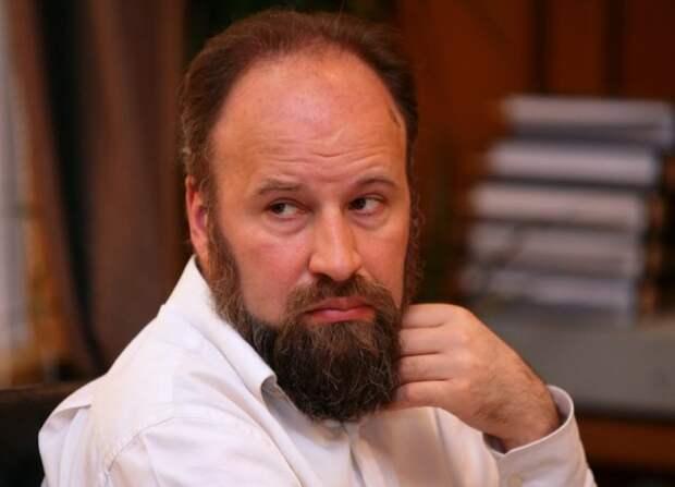 Якеменко: Если хотите быть в тусовке, кормиться от культурки и немножко от политики, слыть современным, продвинутым, актуальным, то мало знать слова «кринж», «тред» и «баттхерт».