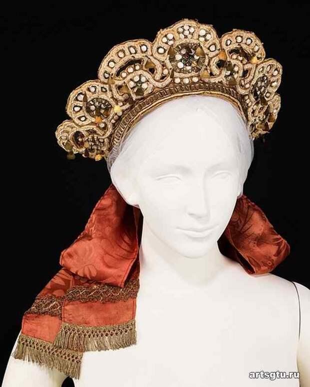 Женские головные уборы