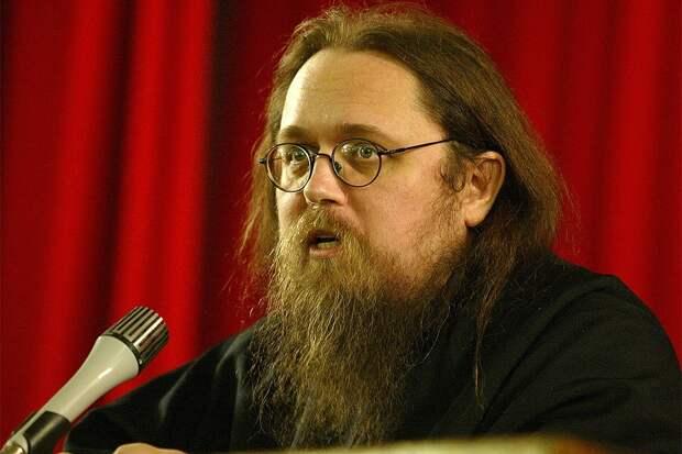 4 факта о протодиаконе Андрее Кураеве, которому патриарх Кирилл запретил служить в церкви