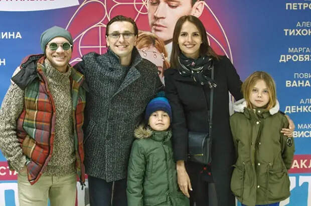 Как сложилась судьба внебрачных детей российских артистов— Безрукова, Пореченкова идругих