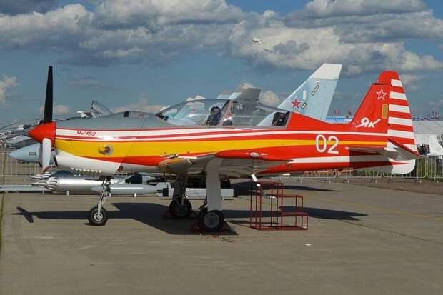Большое будущее и долгая жизнь для Як-152