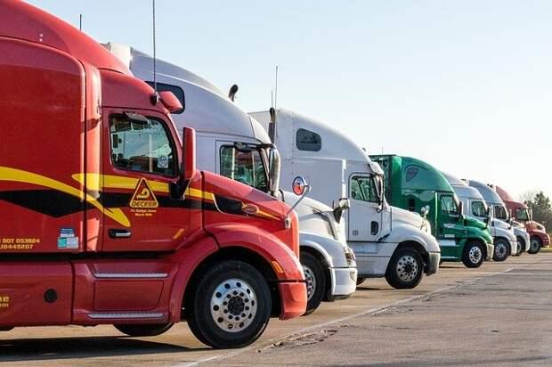 На МКАД в Северном Тушине продлили ограничения на въезд транзитных грузовиков