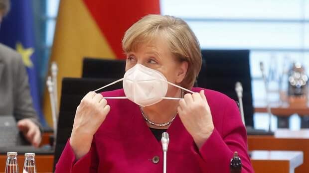Меркель посоветовала Евросоюзу поддерживать диалог с Россией по примеру США
