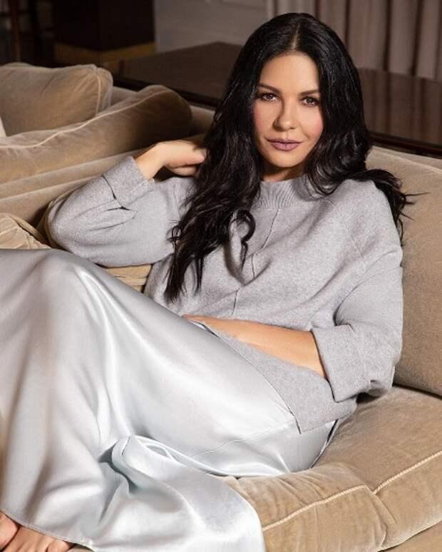 Кэтрин Зета-Джонс стала лицом первой коллекции собственного бренда одежды