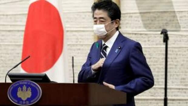 Японский премьер дал оценку возможности отмены Олимпиады из-за коронавируса