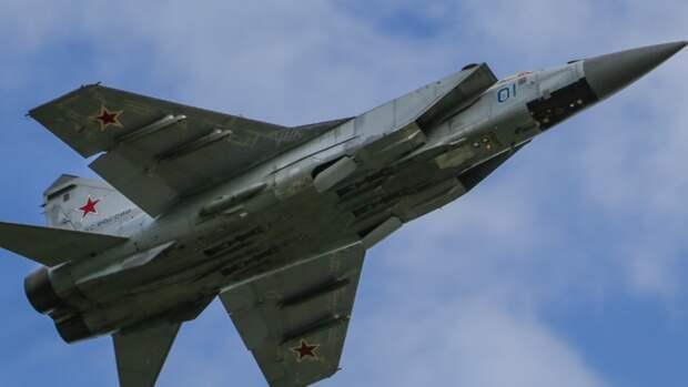 Экипажи МиГ-31БМ провели учения в Тверской области