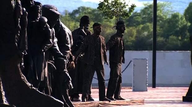 В Крыму почтили память депортированных народов
