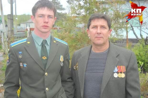 Евгений был особо близок с отцом. Фото: семейный архив.