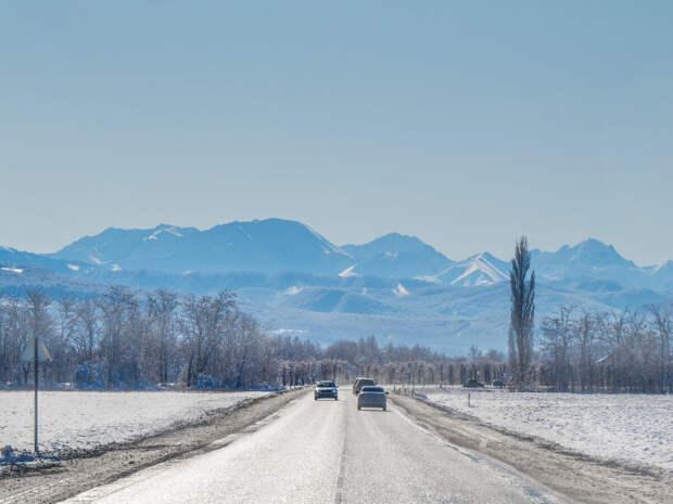 Дорога в горы Адыгеи. 1 февраля 2020 года, здесь и далее фото автора.