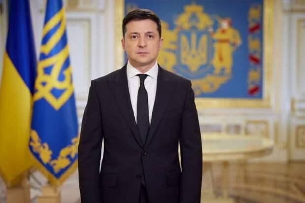 Зеленский запросил у Байдена деньги на защиту демократии от России