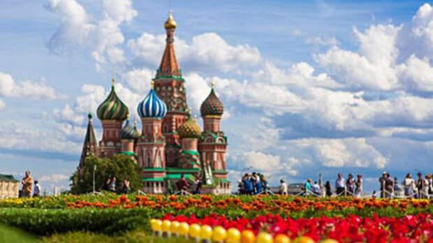 Москвичей в понедельник ждет июльская жара