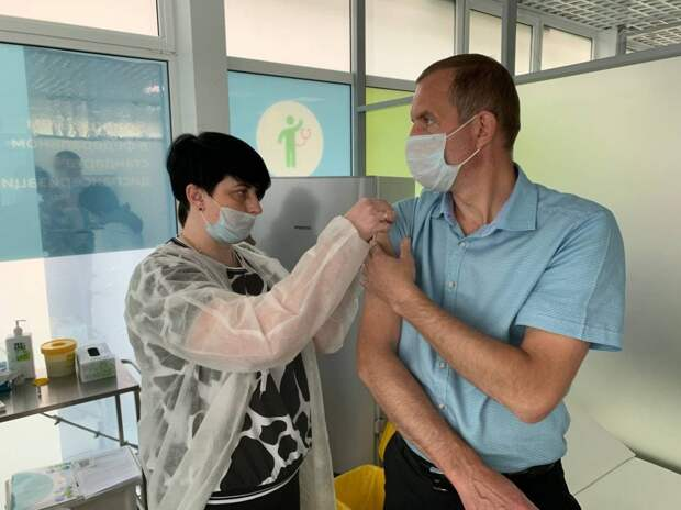 Префект СВАО Алексей Беляев сделал повторную прививку от COVID-19