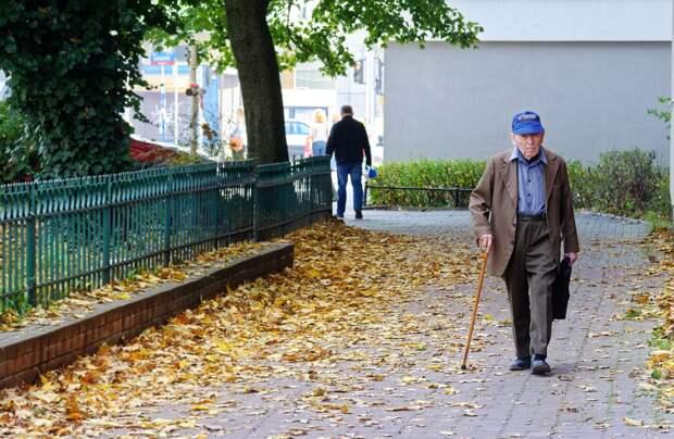 Полицейские задержали пнувшего инвалида жителя Кирова