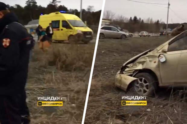 Около Нижней Ельцовки перевернулась иномарка — водитель вылетел из салона
