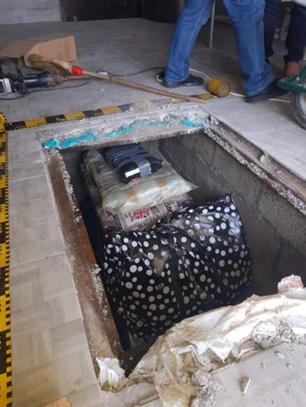 Книги были найдены в подвале сельского дома в Нямце.