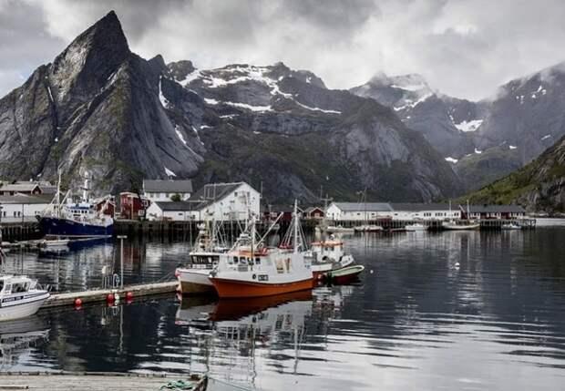 Российское судно подало сигнал бедствия у берегов Норвегии