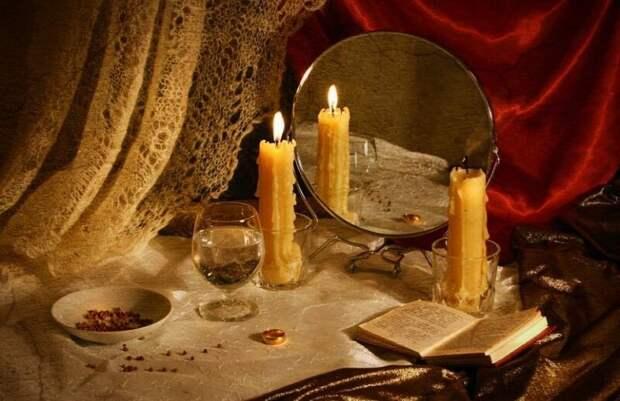 Самое мистическое время в году. Заглянем в будущее в пору святочных гаданий.