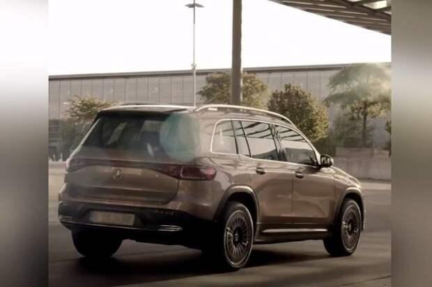Mercedes-Benz представил новый полноприводный электрокар EQB