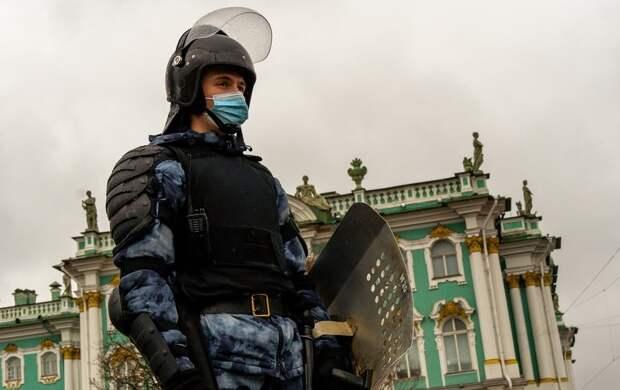 Автозаки и задержания: итоги несогласованной акции в Петербурге