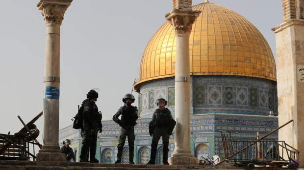 Сотни палестинцев пострадали при столкновениях с израильской полицией в Иерусалиме